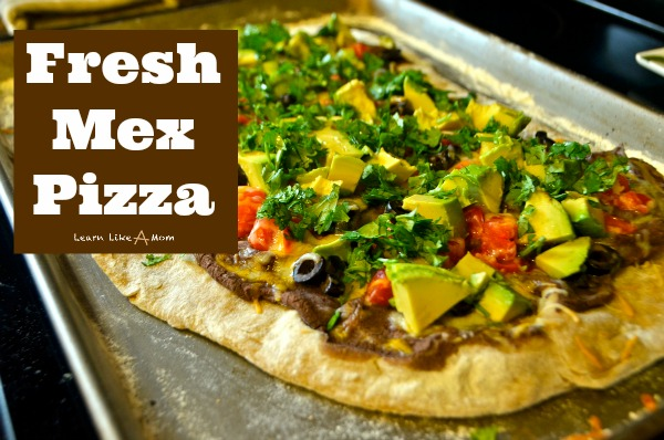 Tex Mex Pizza from Learn Like A Mom! https://learnlikeamom.com/tex-mex-pizza/ A Twist on Two Favorites! #texmexpizza #texmexrecipe